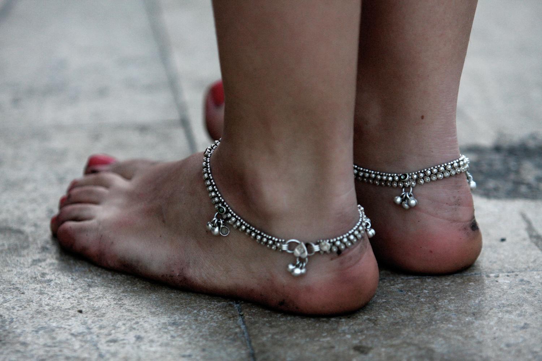 naked-feet